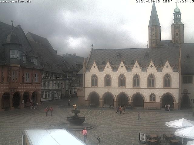 Goslar, Marktplatz, Marktbrunnen und Rathaus